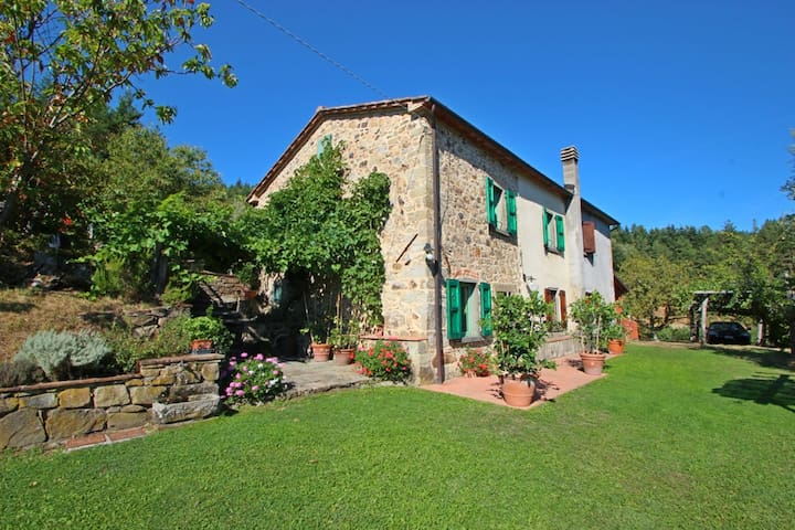 Ciocche - Home for 5 People with Private Pool, Garden, surrounded by Nature