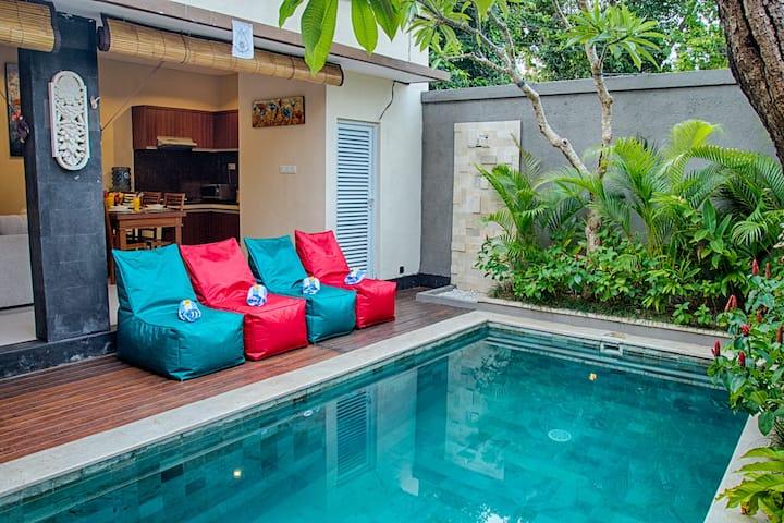 SEMINYAK!! 2 Bedroom Private Pool Villa