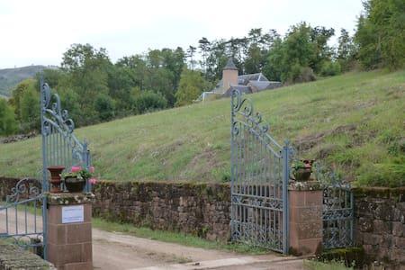 Charme dans ancien domaine viticole - Valady