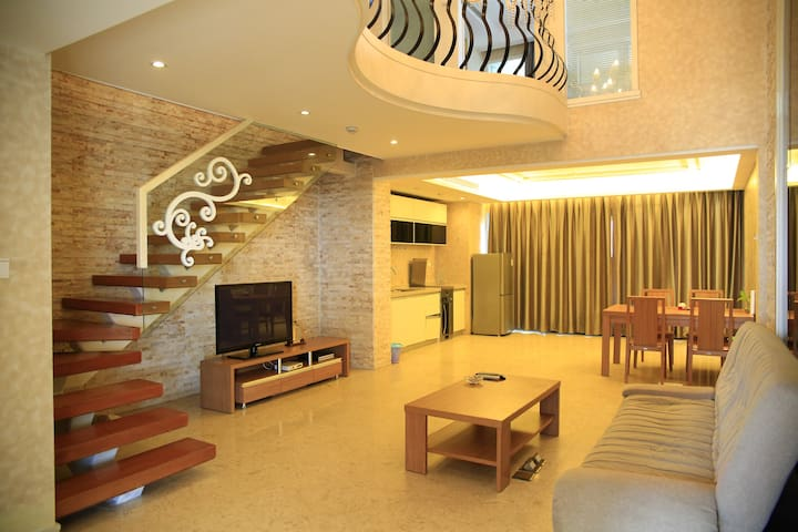 半山半岛高级复式海景两室一厅 - Sanya - Lomaosake
