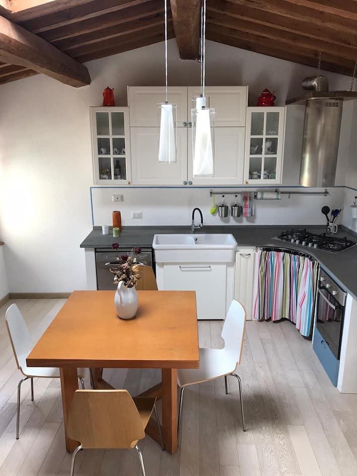 SWEET HOME, appartamento tra le colline toscane