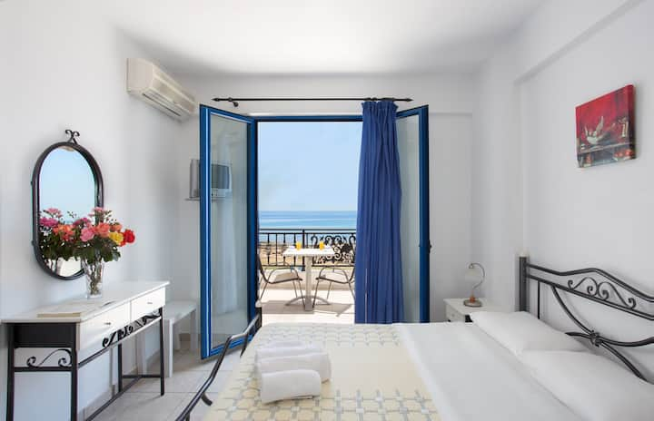Monemvasia Seafront | Superior Room