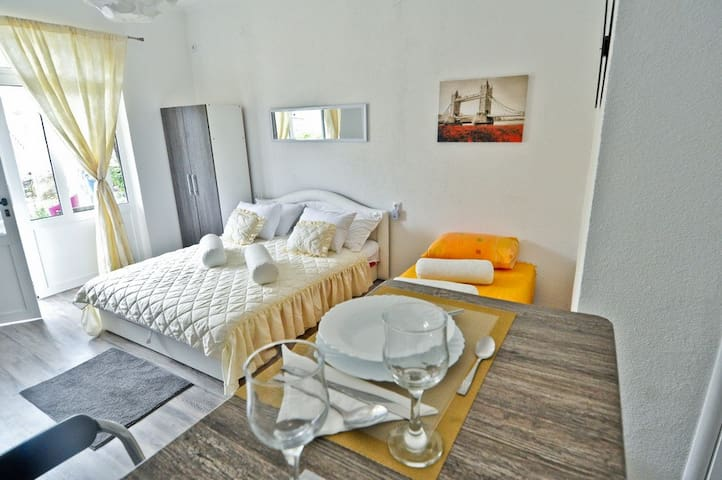 Studio Apartment D1 near Dubrovnik