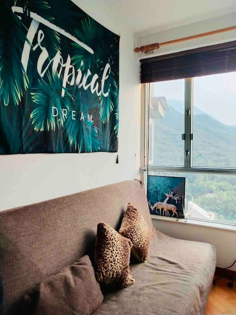 Cosy flat in Tung Chung-long term&female only