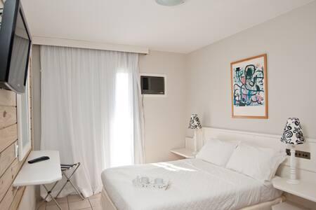 Apartamento à apenas 80 metros do mar de Jurerê - Florianópolis
