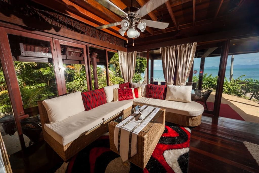 Living area with aircon, TV and fantastic view.....