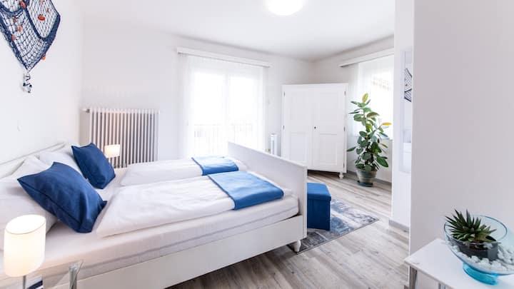 """Zimmer """"Meer"""" mit Seeblick, Gästehaus Margarethe"""