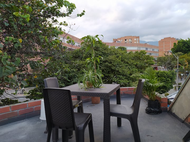 Apartment&Office Laureles,Nutibara (with terrace)