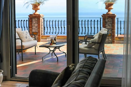 Exclusive sea view apartment with attic