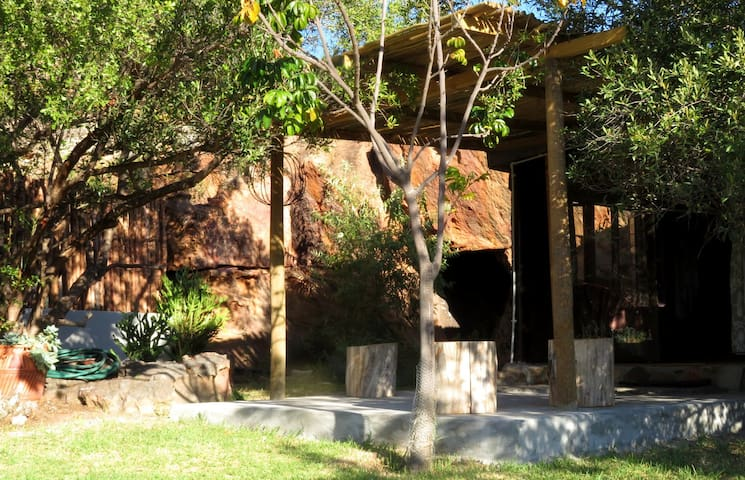 Caracal Cottage - The Storytellers, Rocklands