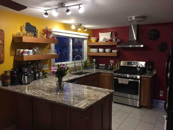 Centrally located and 10 min. from Downtown!