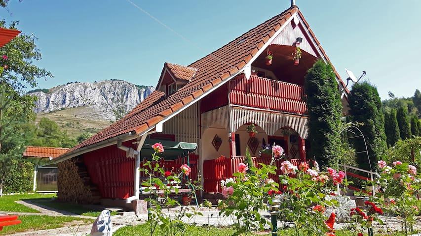 """La Ionica"" Cottage"