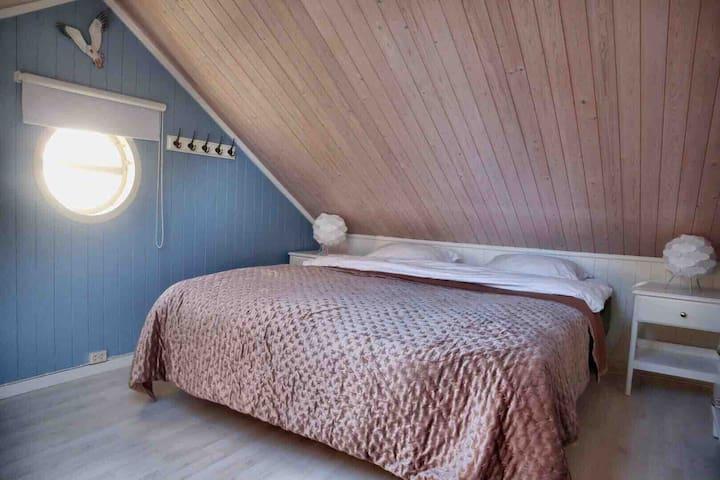 Bedroom nr. 2, Upstairs