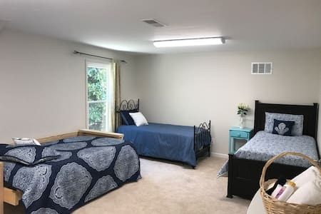 Magnolia Retreat, Private Entrance, Entire Studio