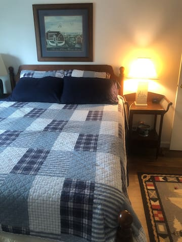 GREAT PRIVATE BEDROOM NEAR TIMES SQUARE,5 MIN WALK