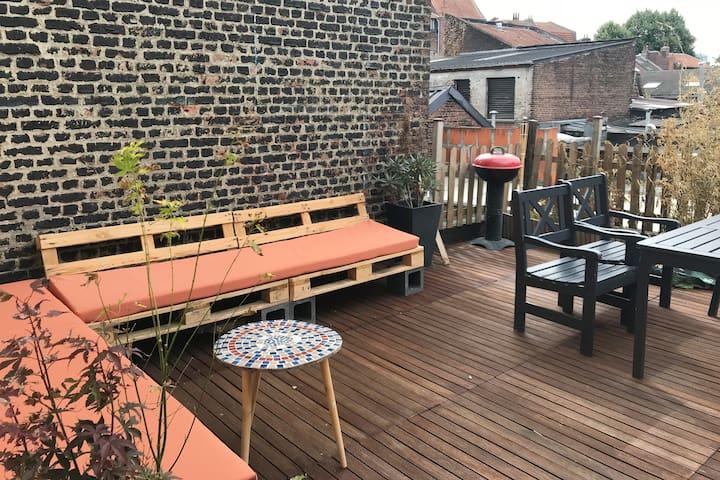 Appartement grande terrasse 3 min de Lille