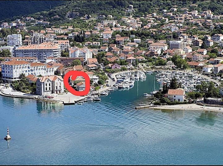 Studio apartment located in center of Tivat city
