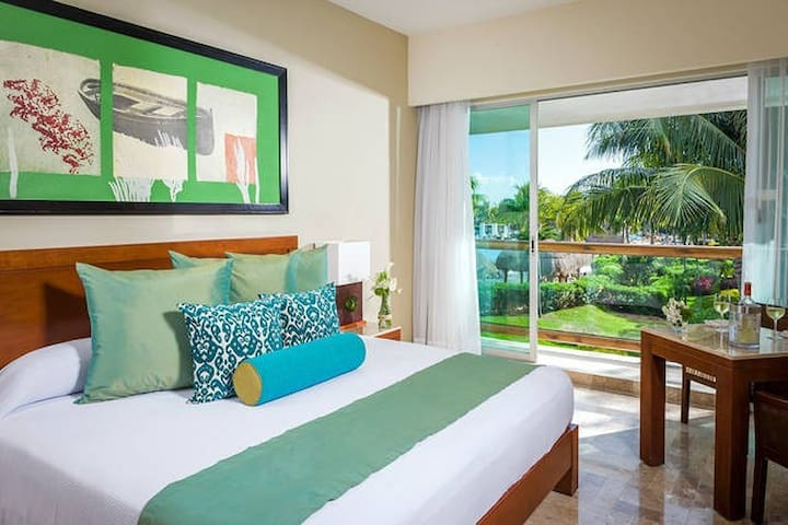 A Mayan Palace Master Room - Puerto Vallarta - Apartment