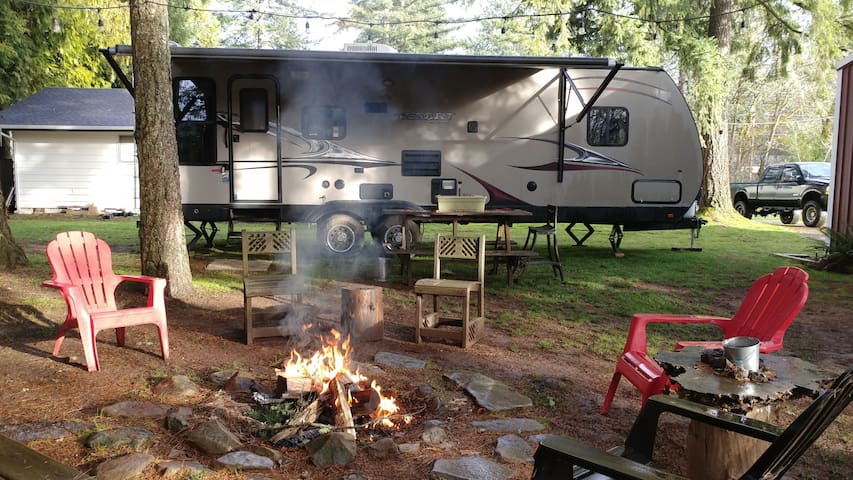 Luxury Glamping~near Eugene and Brew /Wine Tasting
