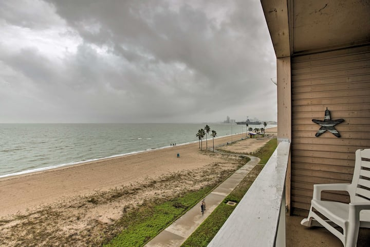 Breezy Beachfront Condo in Heart of Corpus Christi