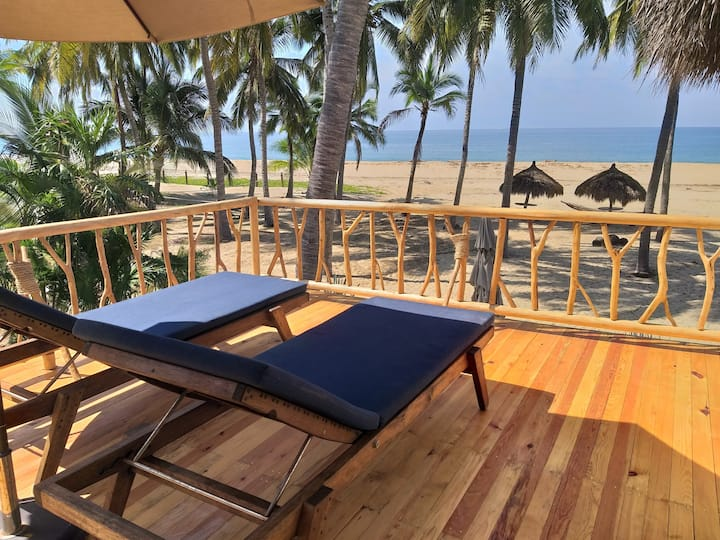 "Beachfront bungalow ""Amorita 2"" unbeatable views"