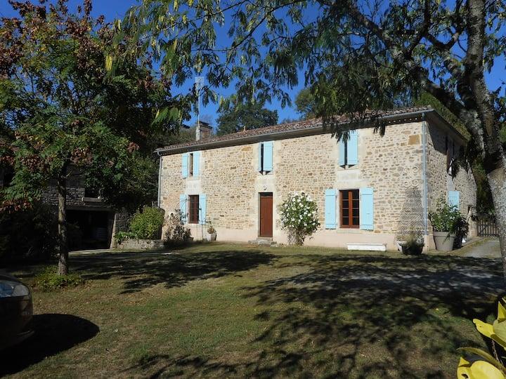 Gîte 9-personnes entre Puy du Fou et Marais