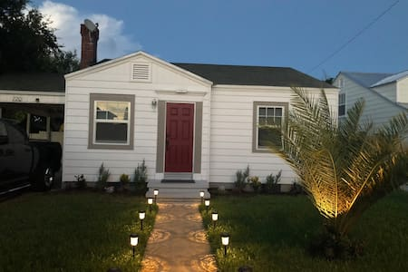 1940s Cottage in historic Lake Worth