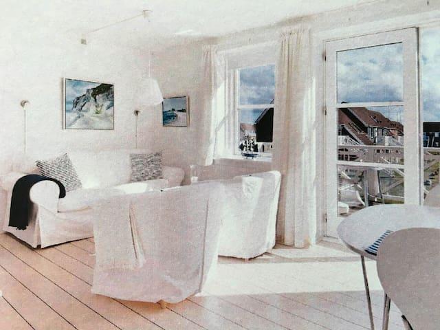 Skøn lejlighed i Klintholm havn - Borre - Apartment