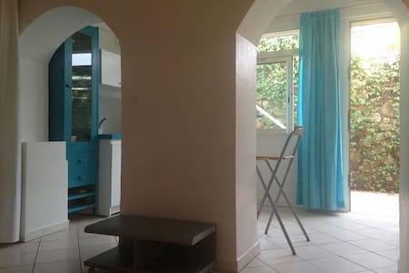 Studio proximité port et plages - Sanary-sur-Mer - Apartamento