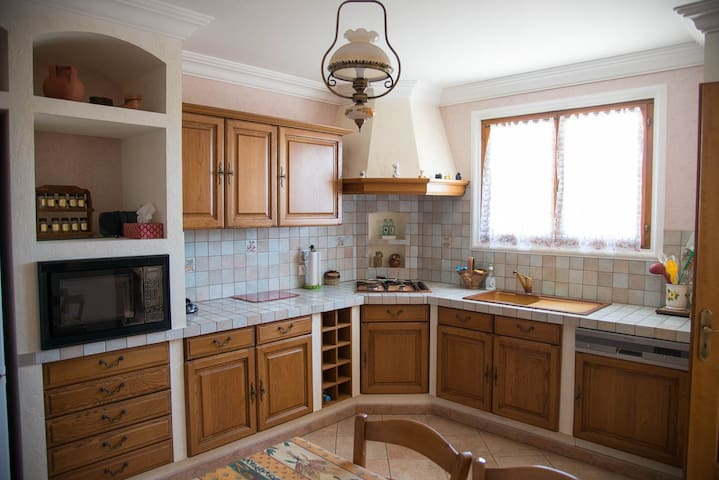 Fully equipped kitchen 18 s.m. Oven, Microwave, Cooking plate, Dishwasher, Washing machine, Storeroom