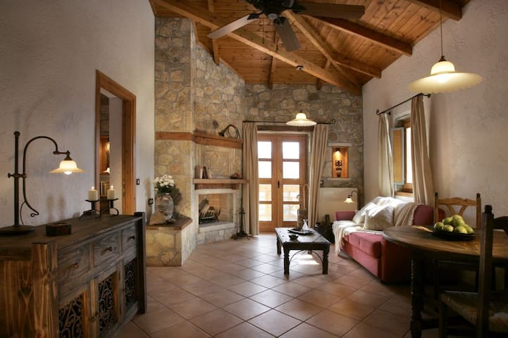 Family Suite with Balcony D - Ampeliona - Otros