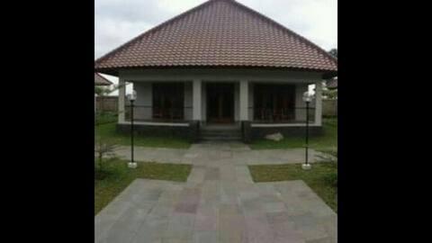 Rumah Asri Banyubiru