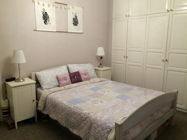 Large & Quiet Double Room in Period House SW8 - Londýn - Dům