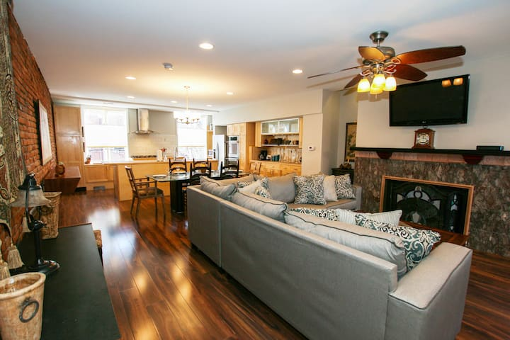 Central, Spacious, Garden + City Views 3BR/2.5BA