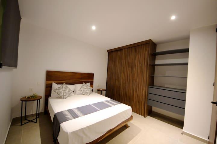 Smaller bedroom,