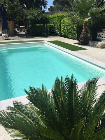 Jolie maison avec piscine pour 7 p. - Ceyras - Rumah