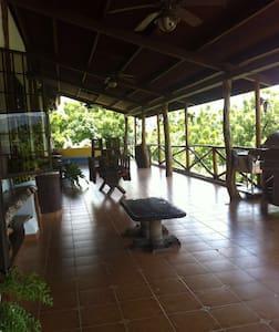 Casa de Finca con Piscina - Santa Cruz