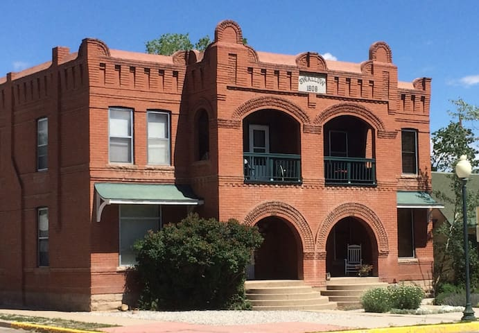 Best location in Salida! Steps to shops river park