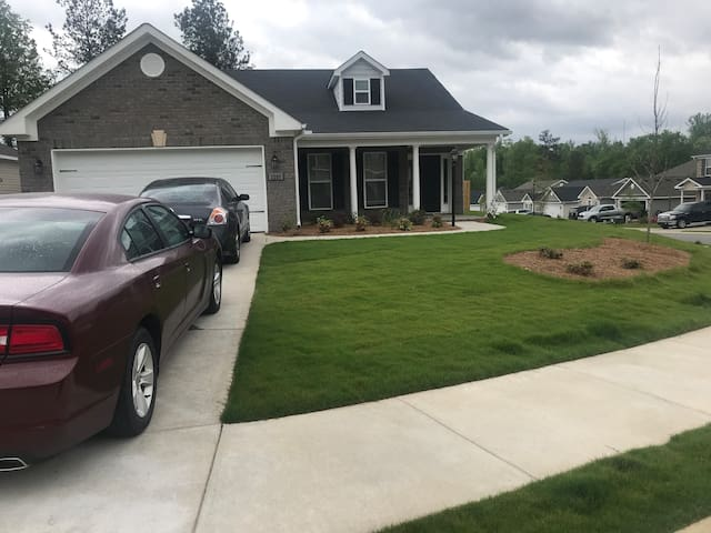 1 room, 1 bed in Grovetown, Ga near Ft gordon