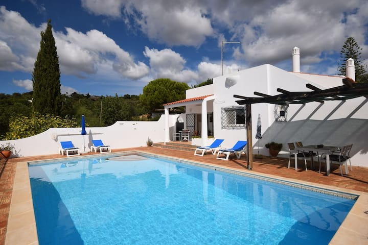 Villa Boutique en Faro con piscina privada