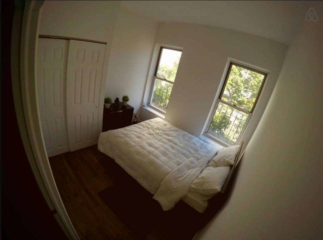 Lot of light in the bedroom.