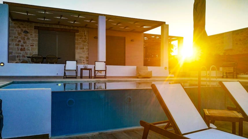 LUX Villa★Prive Heated Glass Pool★Jacuzzi★SeaView