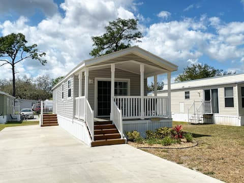 Restful, Spacious Cottage Rental in Sunny Florida