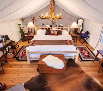 Collective Retreat Luxury Camping - Wolcott - Tent