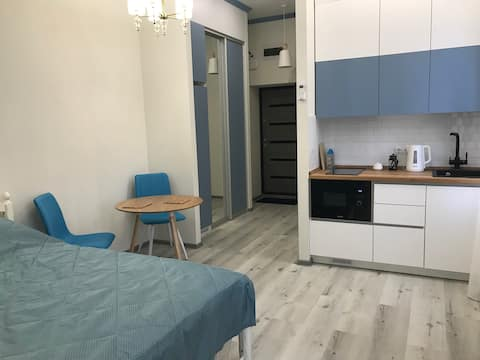Уютная Квартира студия в центре Владивостока.