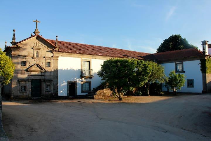 Quinta de Guimarães - Casa Piscina - 2 quartos