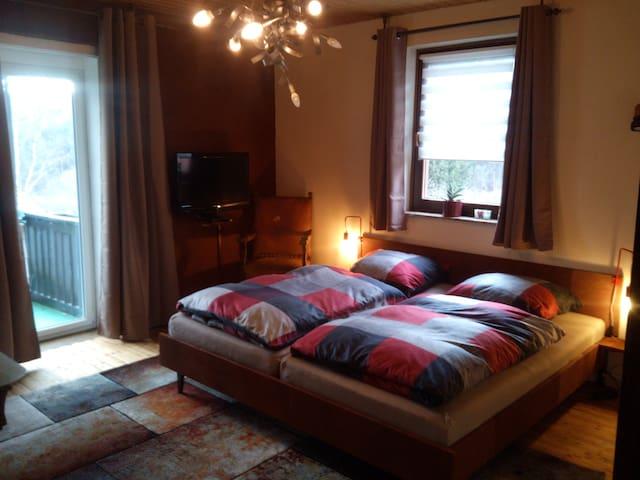 Ruime kamer met extra breed comfortabel bed