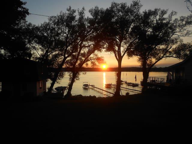 sunset views - Dewittville - Huis