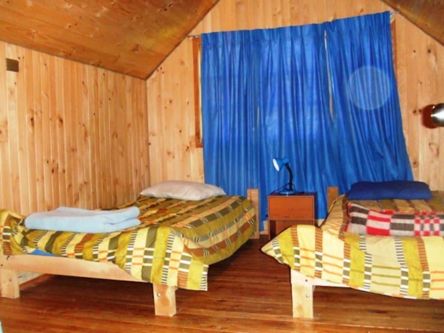 Dormitorio 2, 2:o piso camas