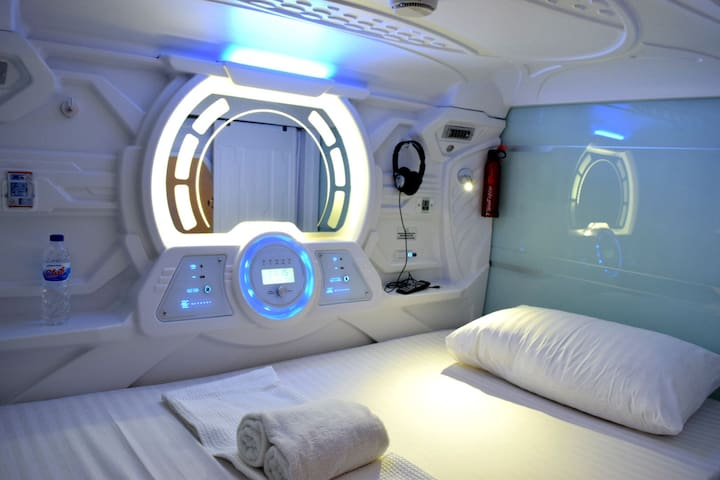 Capsule Single Bed (Shared Room)